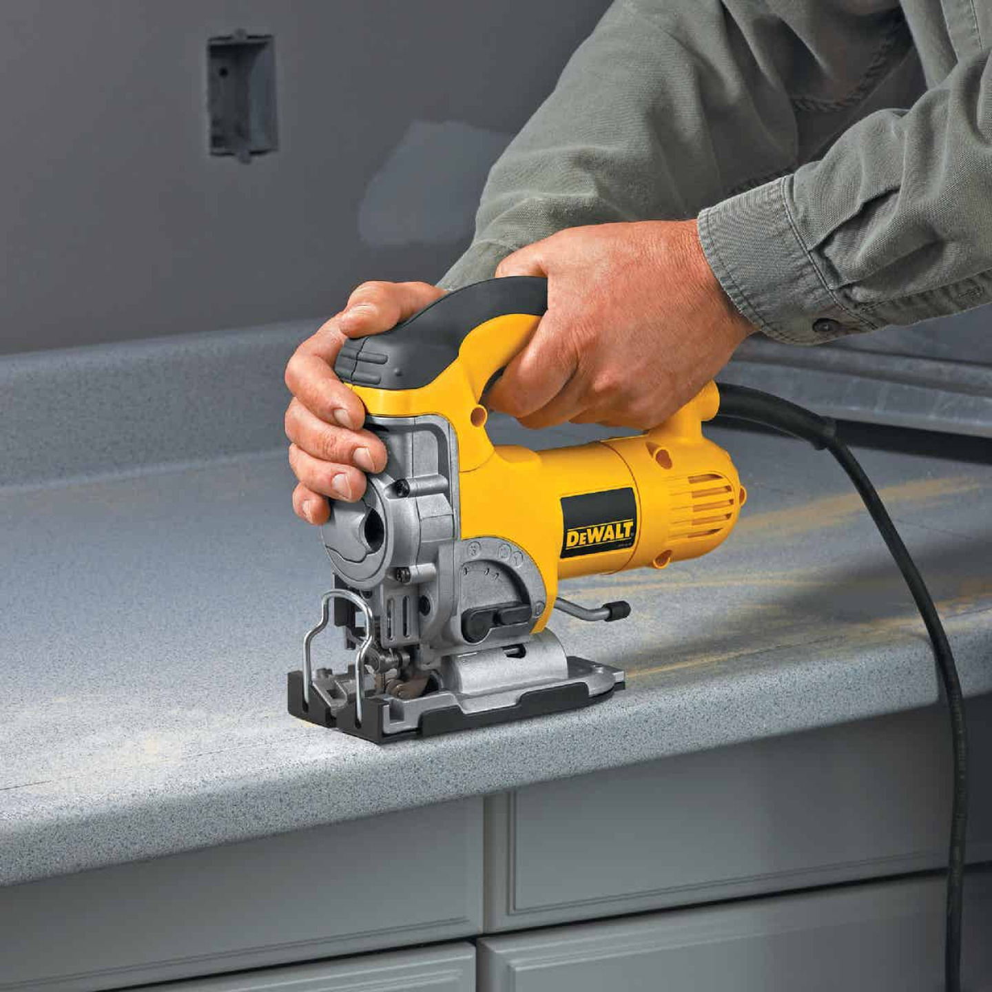 DeWalt 6.5A 4-Position 500-3100 SPM Jig Saw Kit Image 7