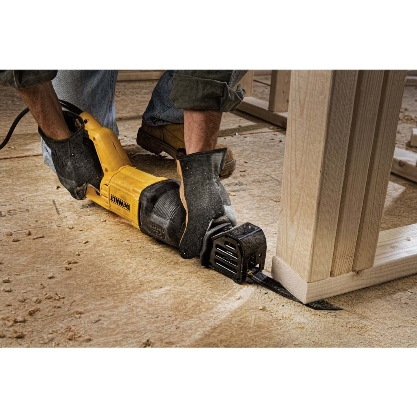 DeWalt 12-Amp Reciprocating Saw Image 3